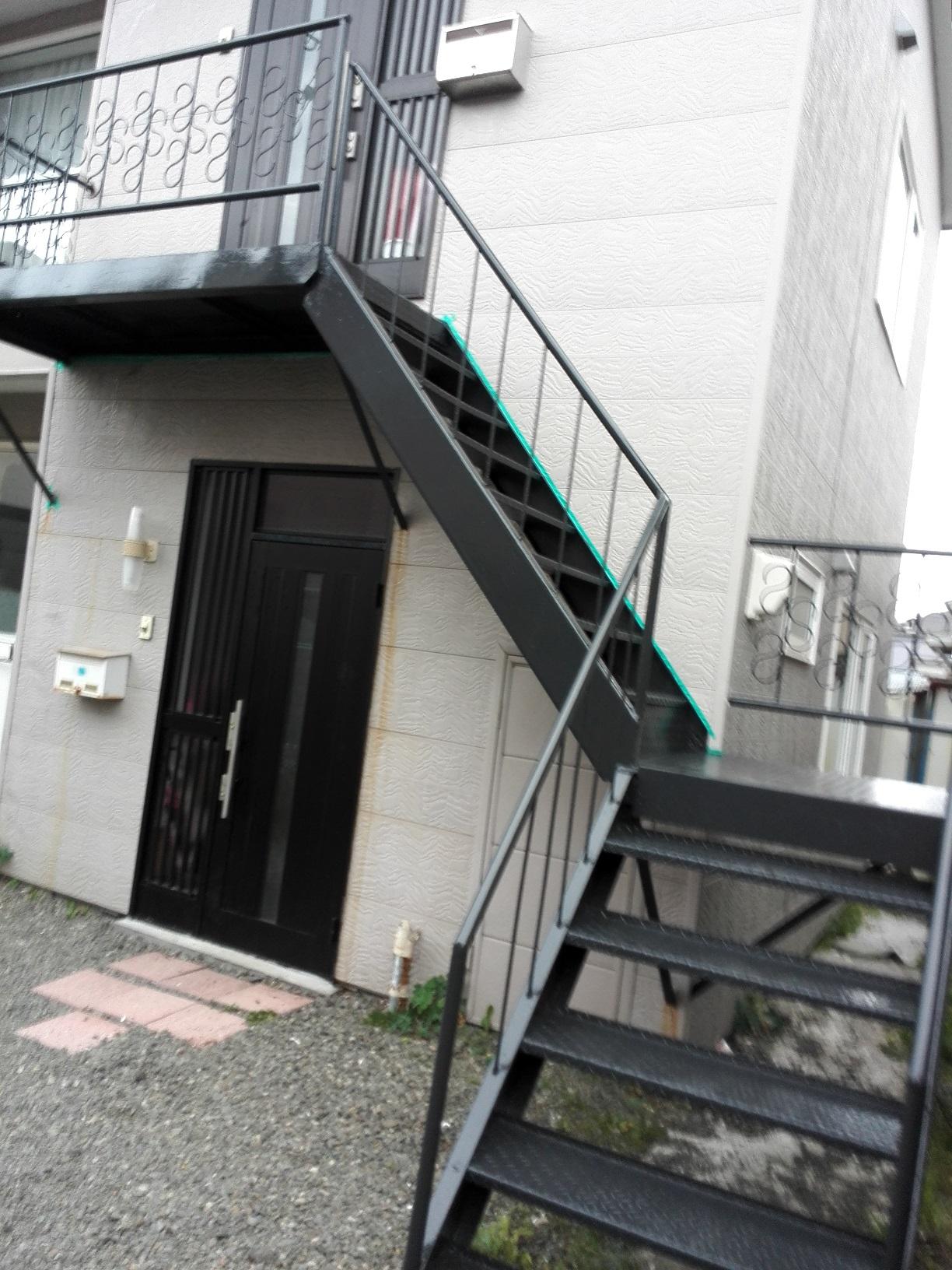 アパート 鉄骨階段2