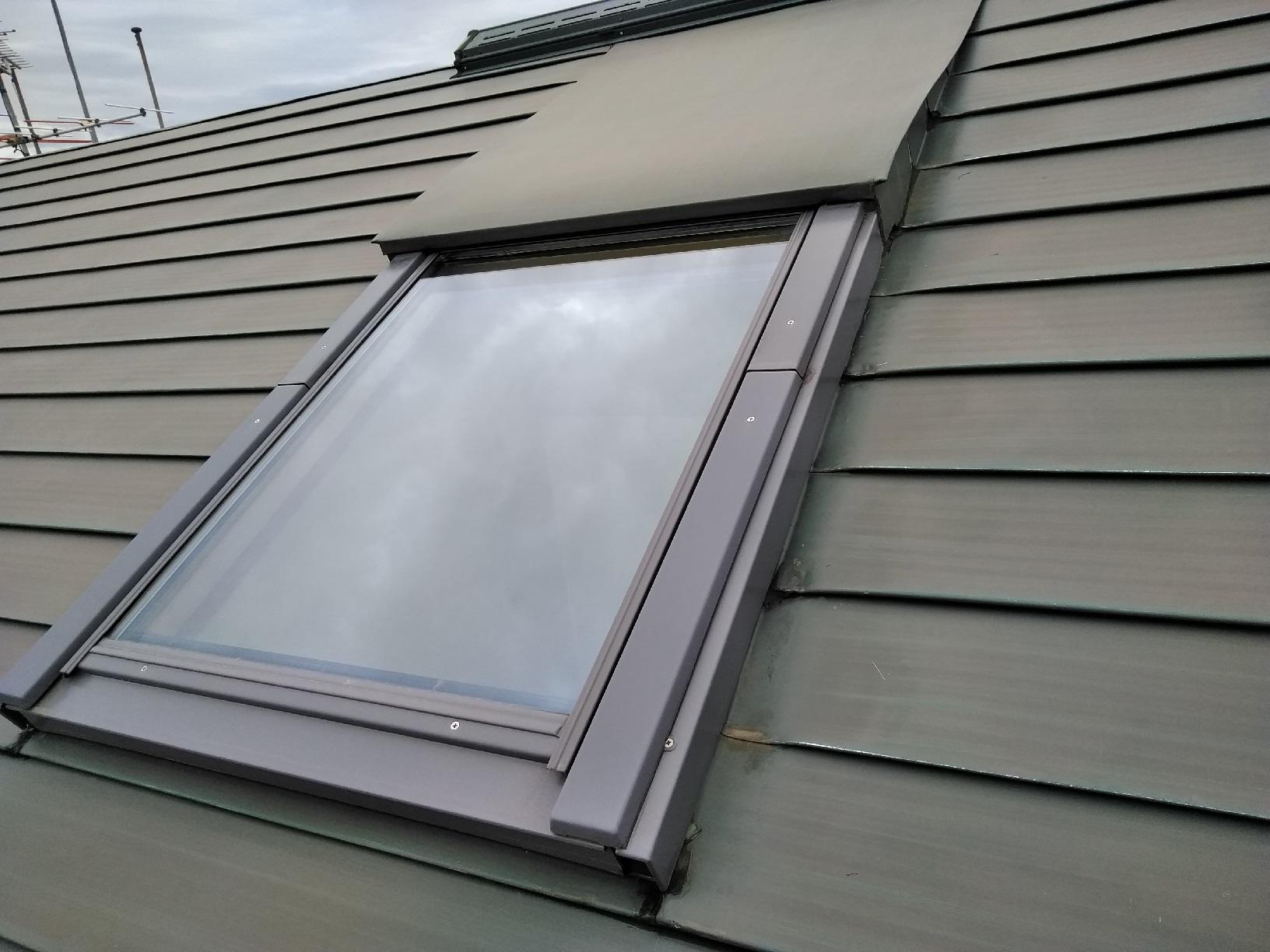屋根 ケレン 天窓1