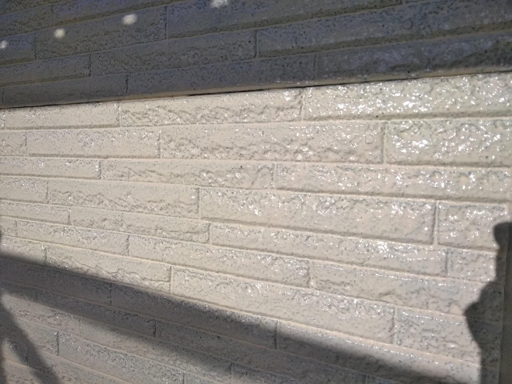 文苑O様邸 外壁上部 上塗り1