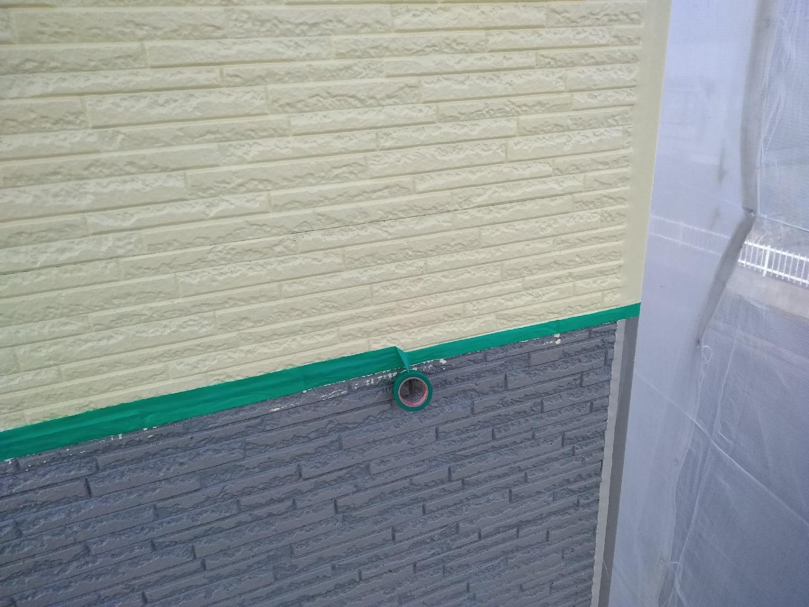 文苑O様邸 外壁下部 上塗り1