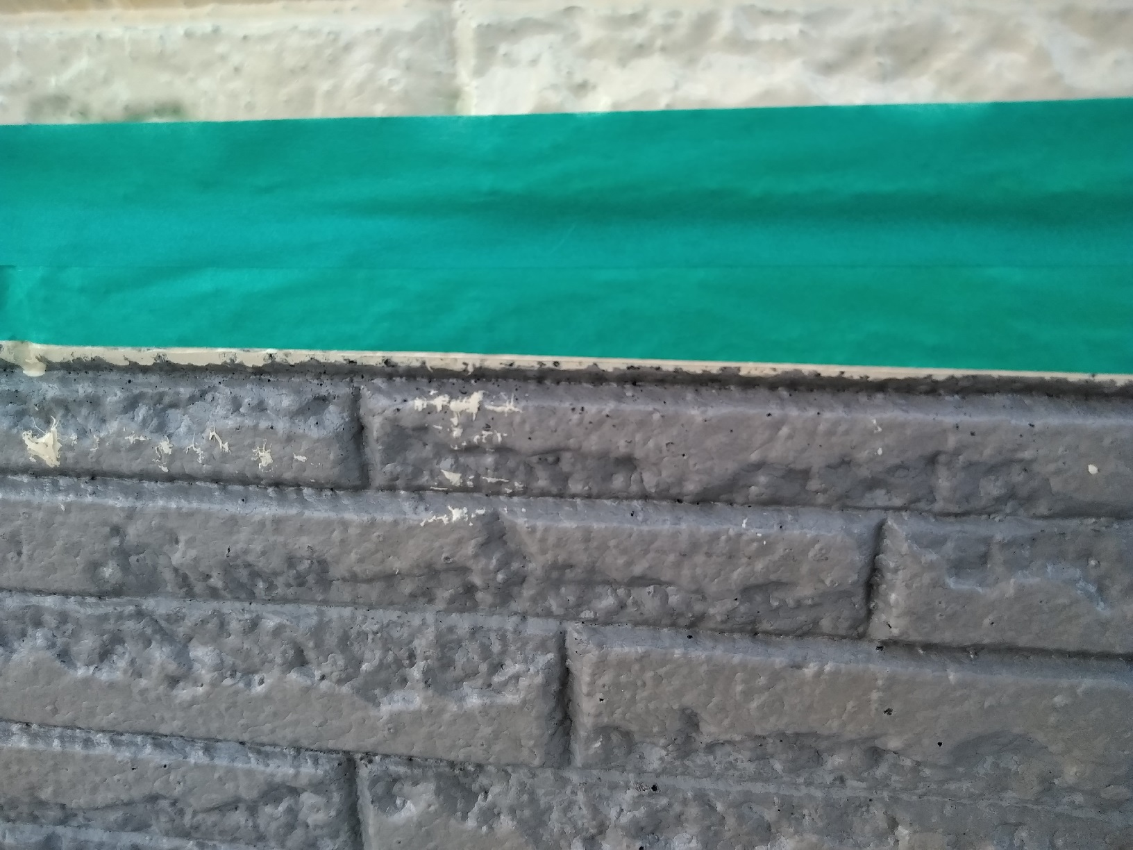 文苑O様邸 外壁上部 上塗り2