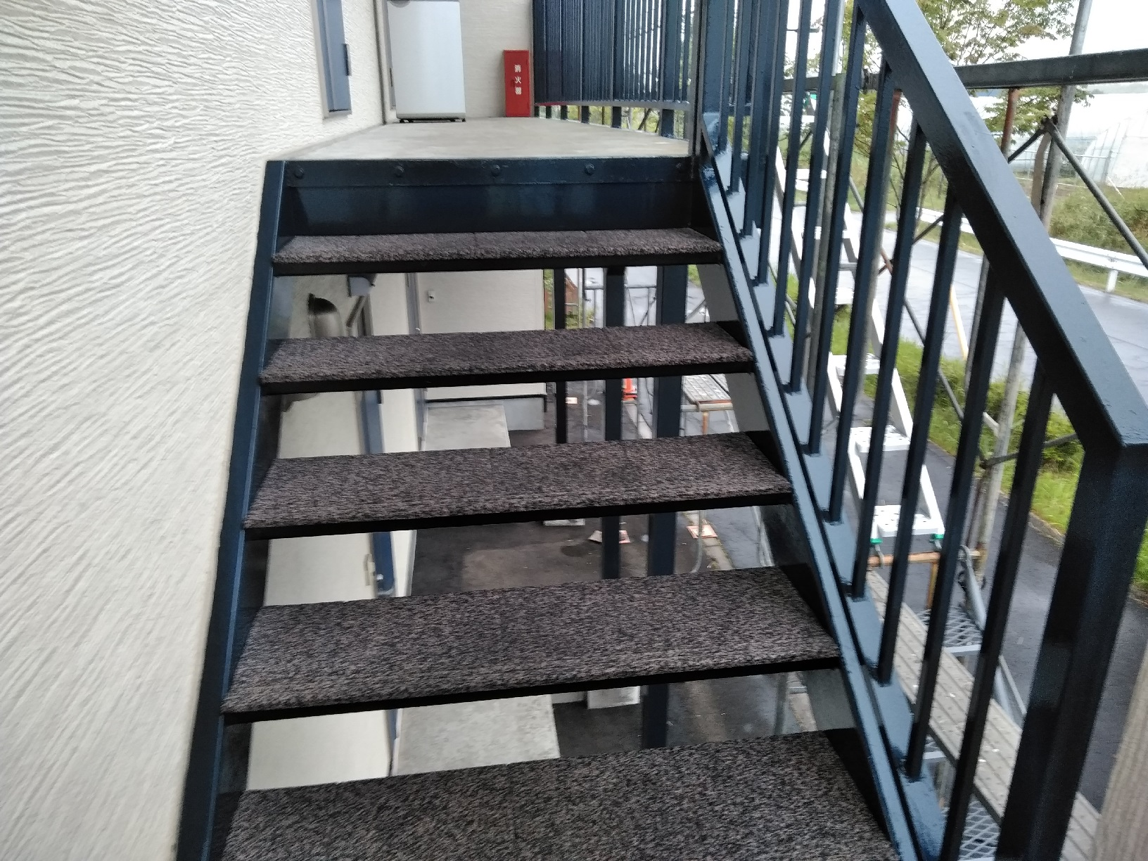 昭和トリビュート 鉄骨階段 上塗13