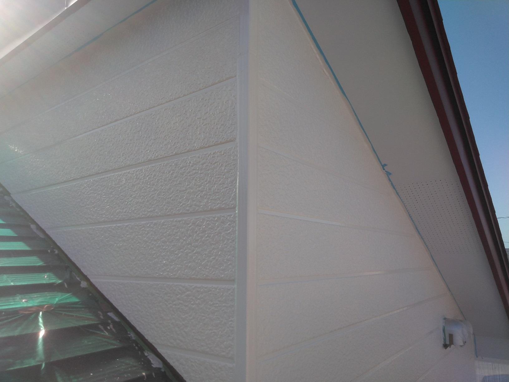 北見団地M様邸 外壁上部 上塗4