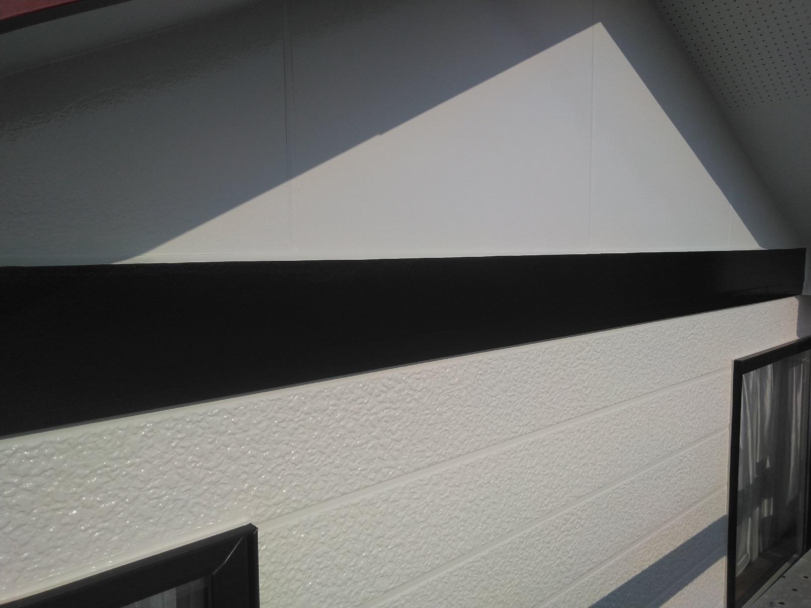 北見団地M様邸 外壁帯部 上塗13