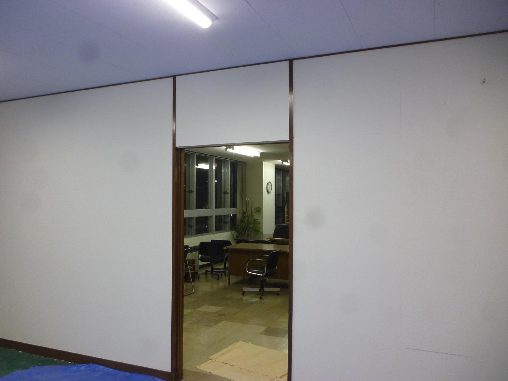 丸中青果 会議室  壁 仕上げ17