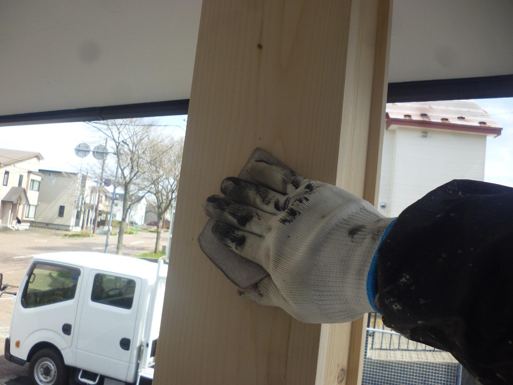 米町モンクール 玄関前柱 下処理3